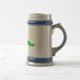 Jarra de cerveza deのにやにや笑いelのperritoのverde ビールジョッキ