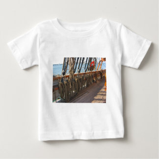 jeannieジョンソン ベビーTシャツ