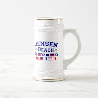 Jensenのビーチ、FL -航海のな旗のスペリング ビールジョッキ