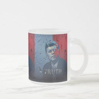 JFK: 真実 フロストグラスマグカップ