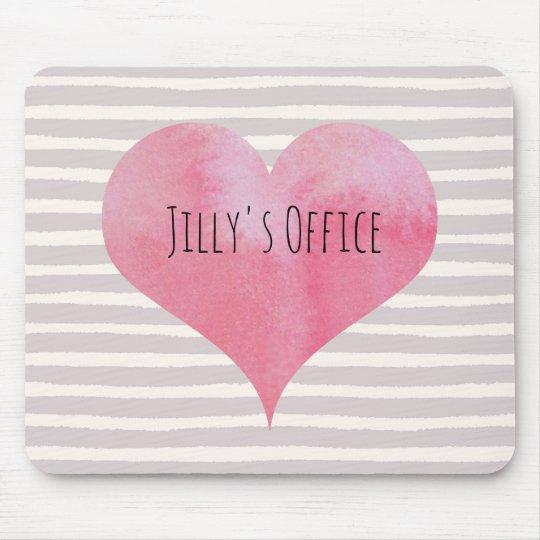 Jillyのピンクの水彩画のハート マウスパッド
