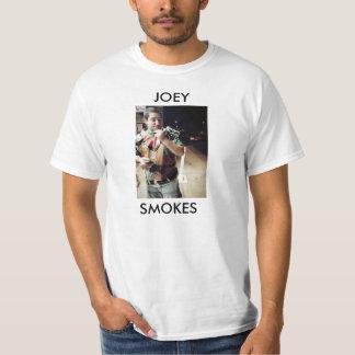 Joeyはたばこを吸います Tシャツ