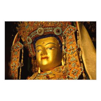 Jowo金めっきされた仏の彫像、Jokhangの寺院、 フォトプリント
