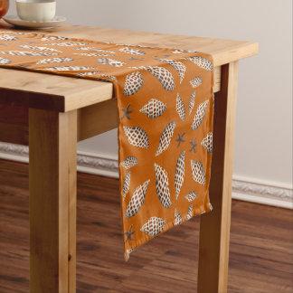 Junoniaの貝殻パターンオレンジ熱帯テーブル ショートテーブルランナー