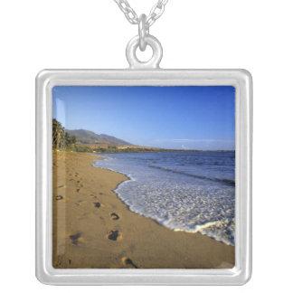 Kaanapaliのビーチ、マウイ、ハワイ、米国 シルバープレートネックレス