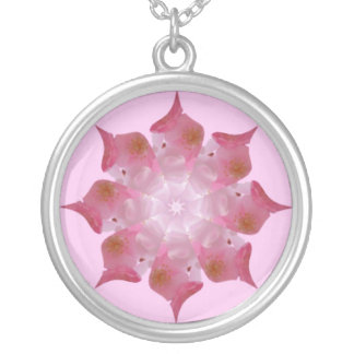 Kalidiscopeのピンクのネックレス シルバープレートネックレス