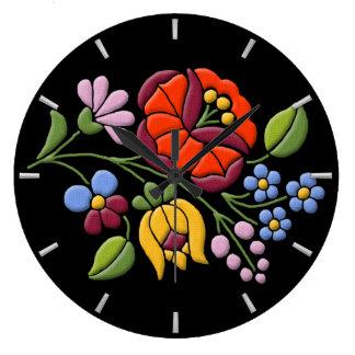 Kalocsaの刺繍-ハンガリーの民芸 ラージ壁時計