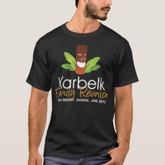 Karbelkの家族会、男性Tikiの暗闇 Tシャツ