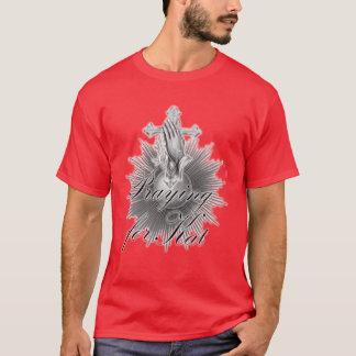 Katのティーのために赤い祈ること Tシャツ