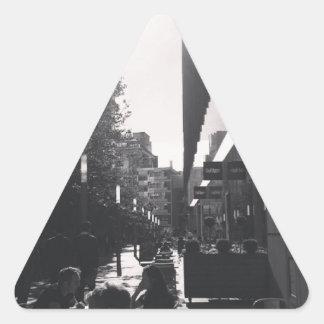 KBおよびJyoと都市で昼食を共にして下さい 三角形シール
