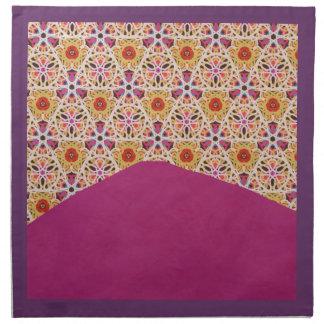 KCSによって置かれるモロッコおよび赤紫のナプキン ナプキンクロス