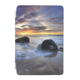 Kedongananのビーチの日没 iPad Miniカバー