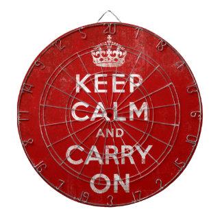 Keep Calm and Carry Onのヴィンテージのグランジな赤 ダーツボード