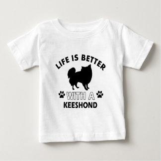Keeshond犬の品種デザイン ベビーTシャツ