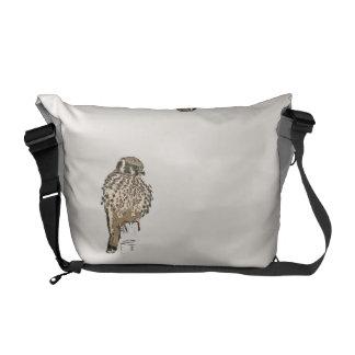 Kestralの鳥の野性生物動物の猛禽の沼地 メッセンジャーバッグ