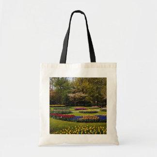 Keukenhofの花壇、ネザーランド花 トートバッグ