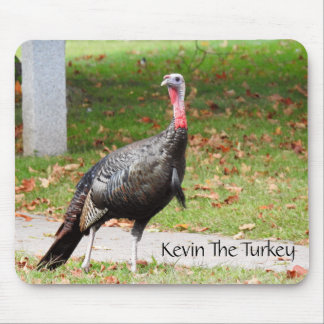 Kevin The Turkey -Old Wethersfield, CT マウスパッド