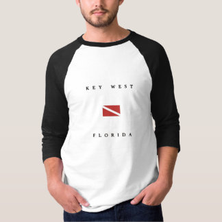 Key Westフロリダのスキューバ飛び込みの旗 Tシャツ