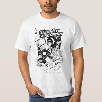 Khundi B&Wのワンダーウーマンのリターン Tシャツ