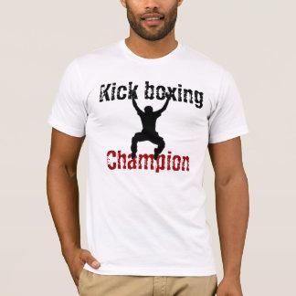 KickboxingのチャンピオンのTシャツ Tシャツ