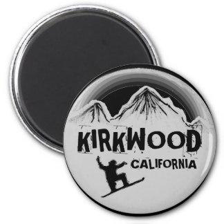 Kirkwoodカリフォルニアの黒い灰色のスノーボードの磁石 マグネット