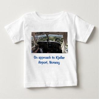 Kjeller空港へのアプローチ、ノルウェー ベビーTシャツ
