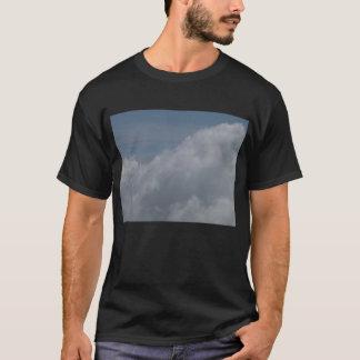 KLM眺めによってcongestus側面積雲 Tシャツ