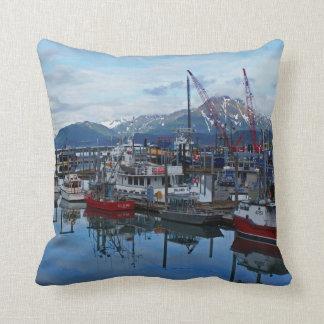 Kodiak港の装飾用クッション クッション