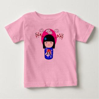 Kokeshiの人形 ベビーTシャツ