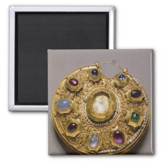 Koltの円形浮彫り、金ゴールドは真珠と置きました マグネット