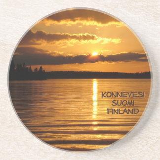 Konnevesiの日没のコースター コースター