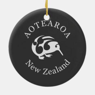 Koruの灰色のキーウィ、Aotearoa、ニュージーランド セラミックオーナメント