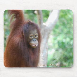 Kristaのオランウータンのジャングル動物の保存 マウスパッド