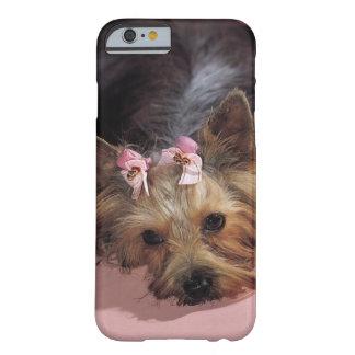 KRWの愛らしいヨークシャーテリア犬のiPhone6ケース Barely There iPhone 6 ケース