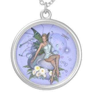 KRWの盗品のデイジーの妖精のファンタジーの銀のネックレス シルバープレートネックレス