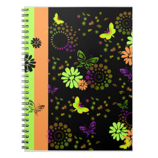 KRW KTsの蝶ファンタジーのノート ノートブック