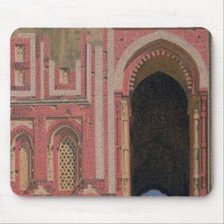 Kutub-Minarの近くのゲート、古いデリー1875年 マウスパッド
