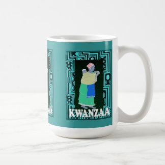Kwanzaaのマグ、母および子供 コーヒーマグカップ