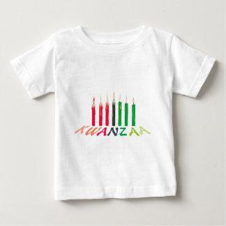 Kwanzaaの蝋燭 ベビーTシャツ