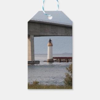 Kyleakinの灯台、Skye橋、スコットランド ギフトタグ