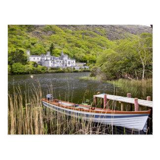 Kylemoreの大修道院、アイルランド。 Kylemoreの大修道院はあります ポストカード