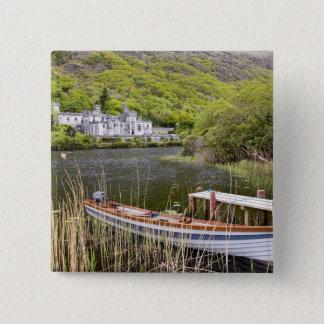 Kylemoreの大修道院、アイルランド。 Kylemoreの大修道院はあります 5.1cm 正方形バッジ