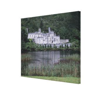 Kylemoreの大修道院、Connemaraの郡ゴールウェイ、 キャンバスプリント