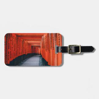 Kyoto千のToriiの通路の荷物のラベル ラゲッジタグ