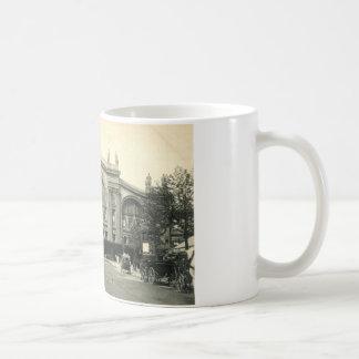 La Gare du Nordパリ、フランスc1905のヴィンテージ コーヒーマグカップ