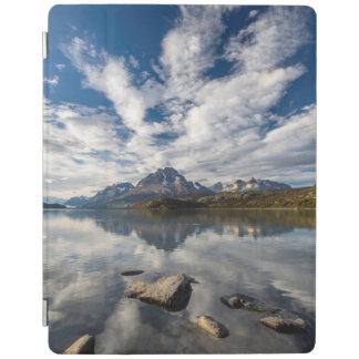 Lagoの灰色。 コルディエラdel Paine 1 iPadスマートカバー