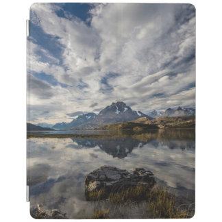 Lagoの灰色。 コルディエラdel Paine 2 iPadスマートカバー
