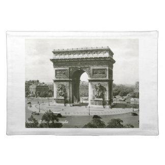 L'Arc de Triompheのパリフランスのヴィンテージ ランチョンマット