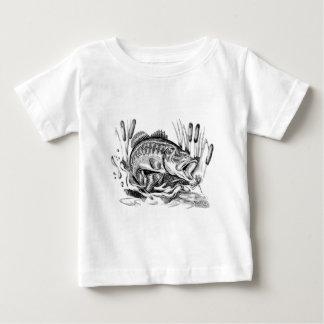 Largemouth bass ベビーTシャツ