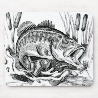 Largemouth Bass マウスパッド